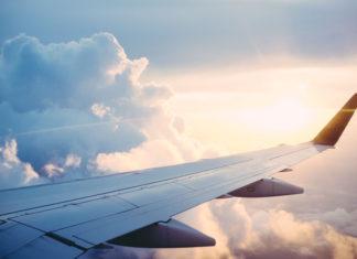Długa podróż samolotem - jak sobie z nią radzić