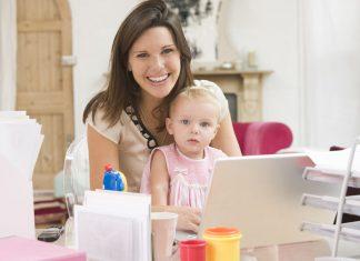 Praca dla mamy z dzieckiem a współczesny rynek pracy